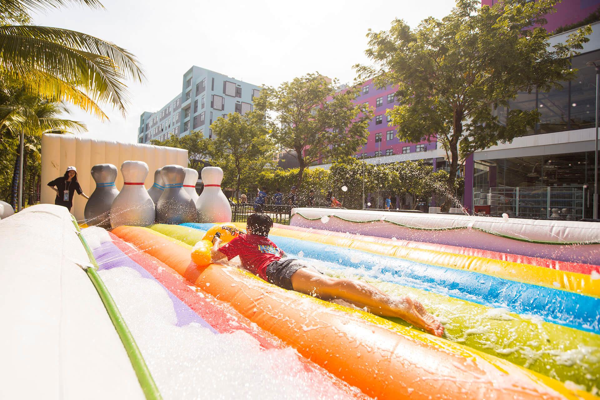 Summer Beach Bazaar Khu Tro Choi Nuoc Pho Am Thuc Nghe Thuat Ven Bien Moi Toanh Tai Da Nang Khu Tro Choi Nuoc 03