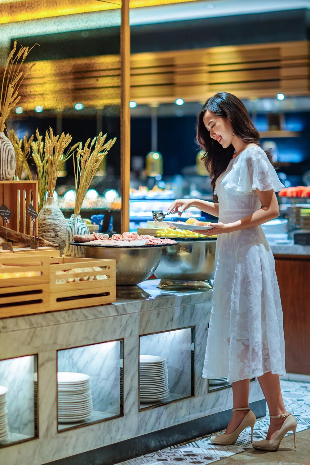 Tiec Hai San Thuong Han Hap Dan Nhat Danang Tai Hilton Nha Hang Brasserie Nam 03