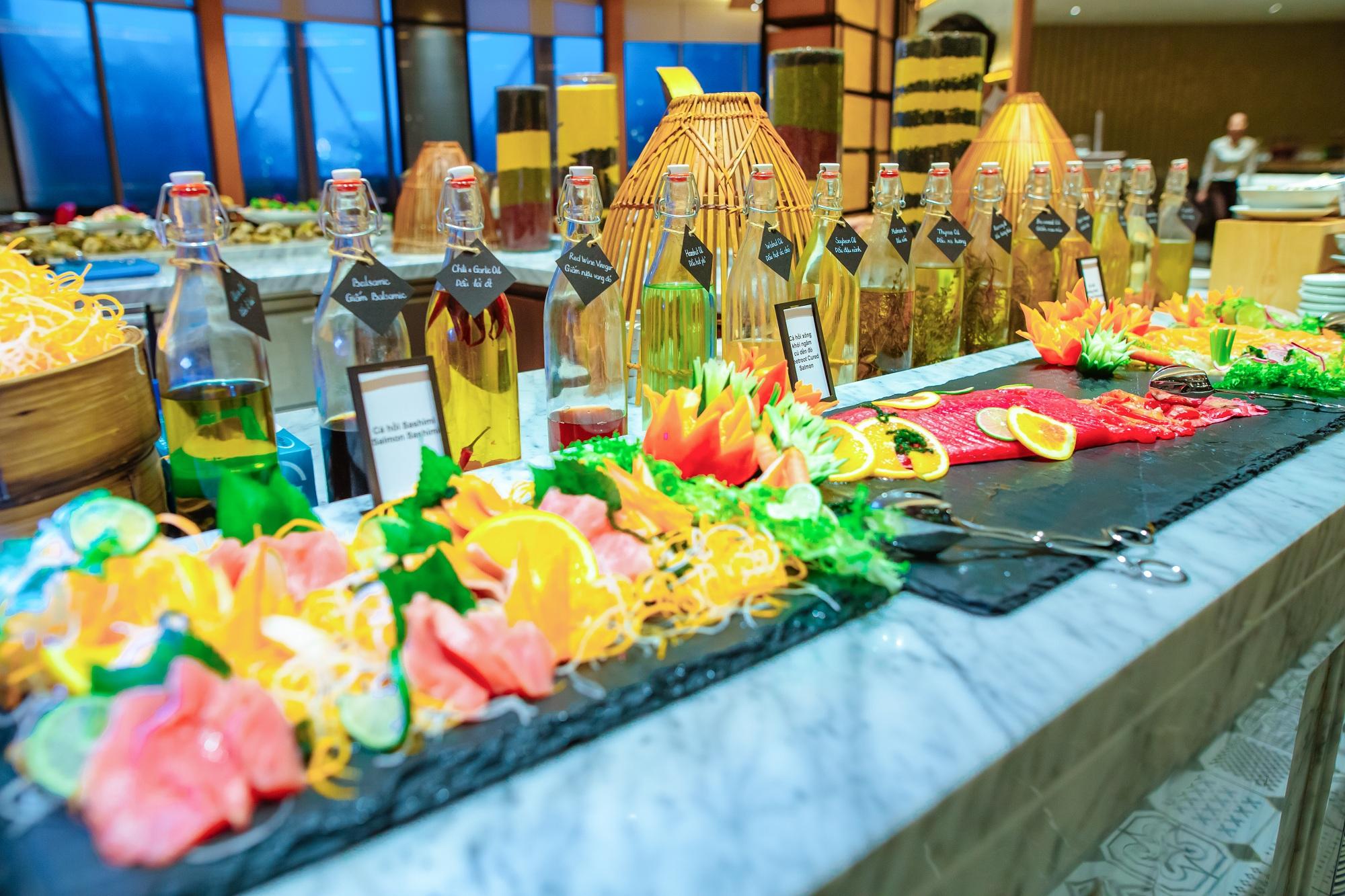 Tiec Hai San Thuong Han Hap Dan Nhat Danang Tai Hilton Nha Hang Brasserie Nam 08