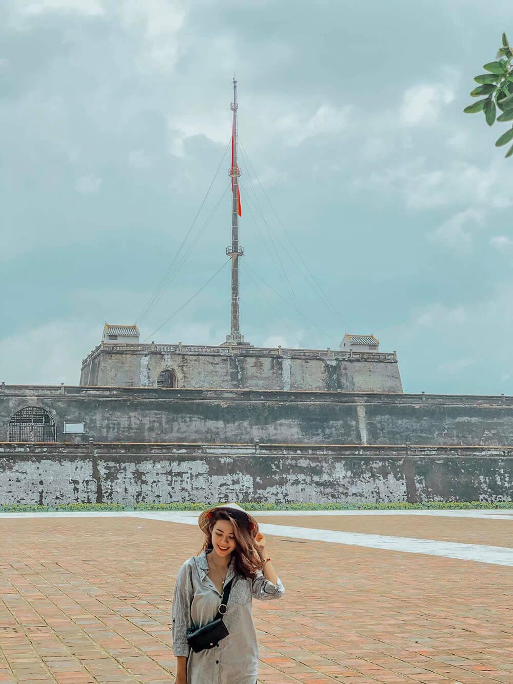 Quan The Di Tich Hoan Cung Hue Dai Noi Hue Review Hue Da Nang Hoi An Ninh Binh 7n7d Chi Voi 8 Trieu Tin Duoc Khong 02