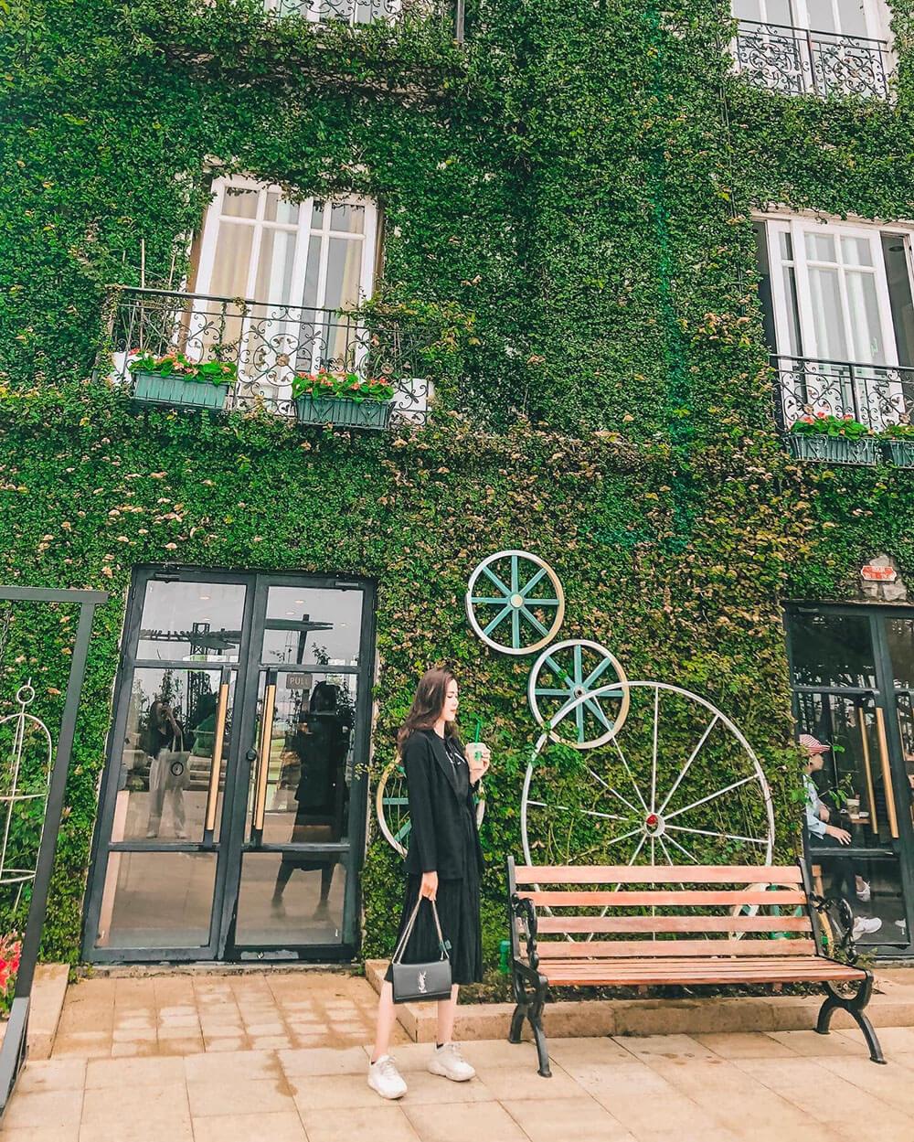 Starbucks Coffee Tai Sun World Bana Hills Review Hue Da Nang Hoi An Ninh Binh 7n7d Chi Voi 8 Trieu Tin Duoc Khong 01