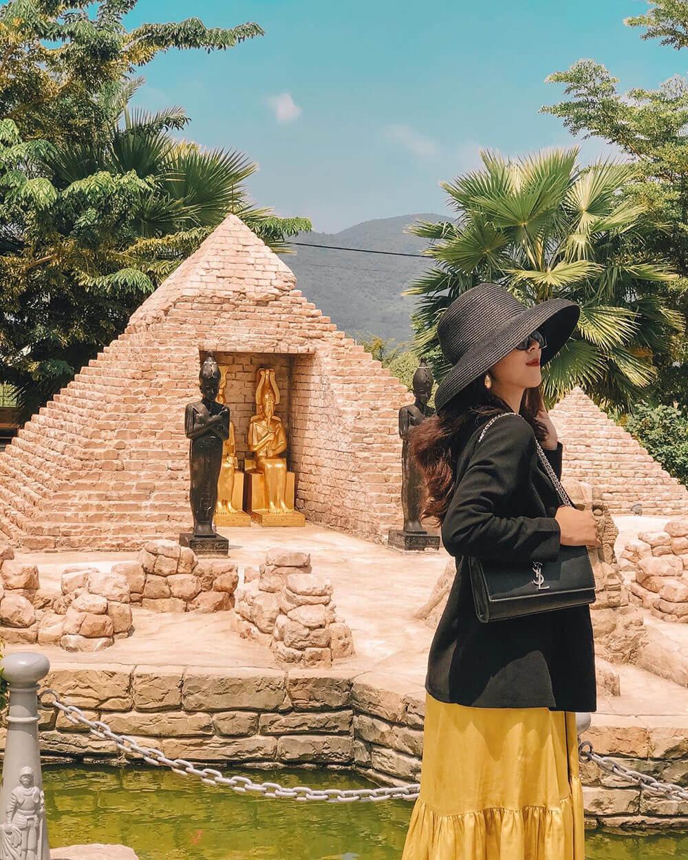 Cong Vien Ky Quan The Gioi Khach San Danang Golden Bay Review Hue Da Nang Hoi An Ninh Binh 7n7d Chi Voi 8 Trieu Tin Duoc Khong 03