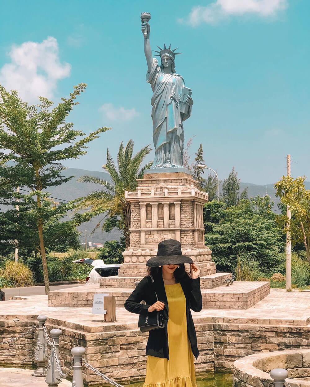 Cong Vien Ky Quan The Gioi Khach San Danang Golden Bay Review Hue Da Nang Hoi An Ninh Binh 7n7d Chi Voi 8 Trieu Tin Duoc Khong 04