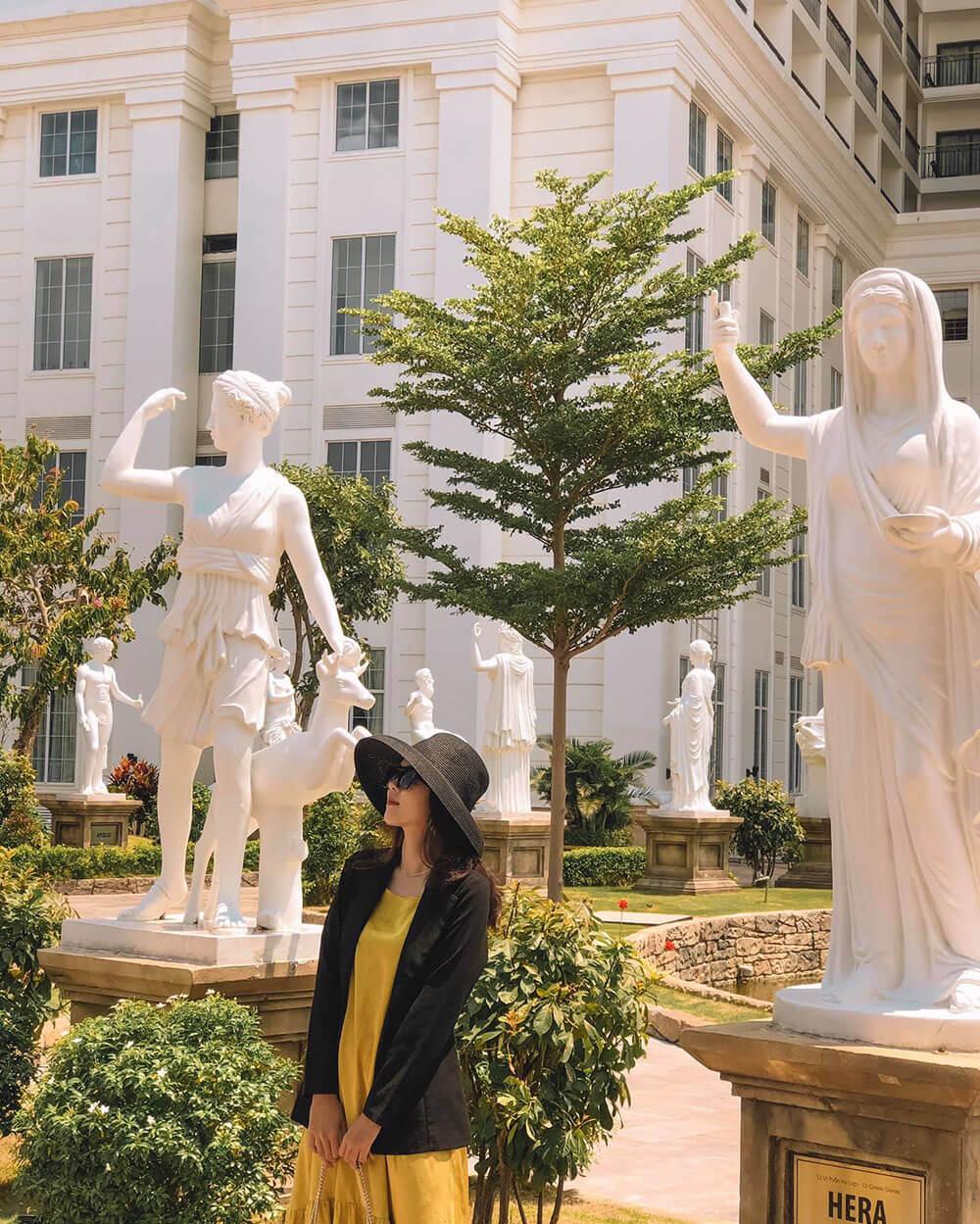 Cong Vien Ky Quan The Gioi Khach San Danang Golden Bay Review Hue Da Nang Hoi An Ninh Binh 7n7d Chi Voi 8 Trieu Tin Duoc Khong
