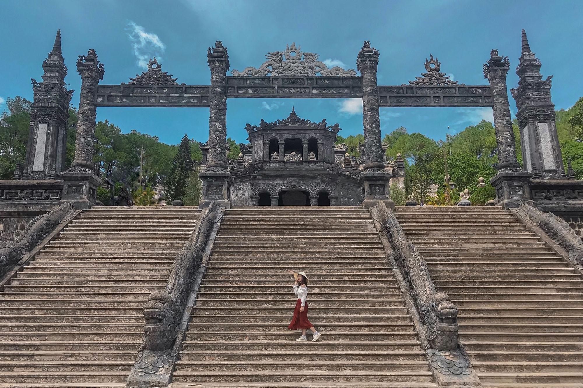 Lang Khai Dinh Di Hue Da Nang Hoi An 4n5d Chi Voi 3 Trieu Tin Duoc Khong
