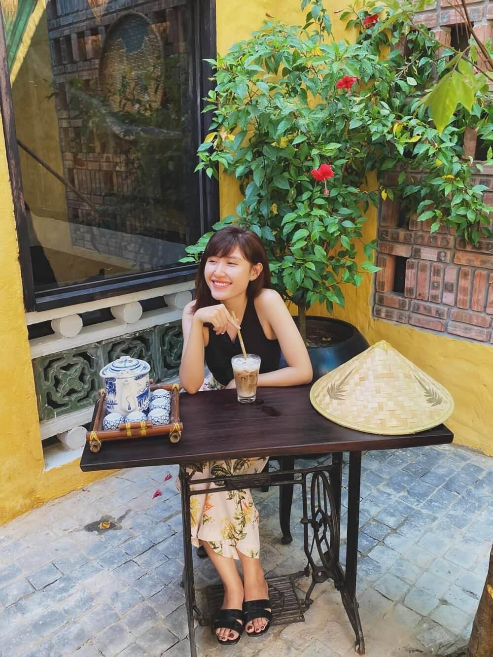 Xiu Cafe Hoi An Giua Long Da Nang Fantasticity Com 128 130 Nguyen Thi Minh Khai 01
