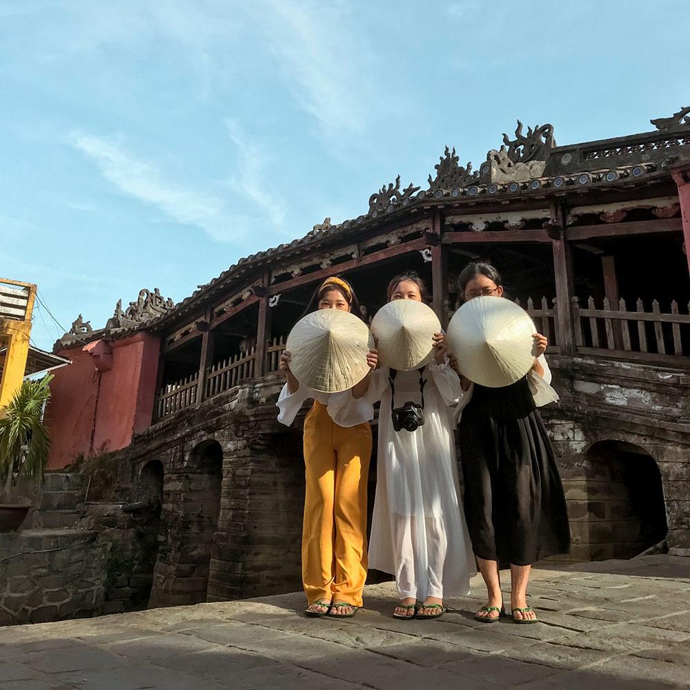 Chua Cau Review Da Nang Hue Hoi An 5n4d Chuyen Di Thanh Xuan Cua Nhom Ba Con Ca Duoi 01