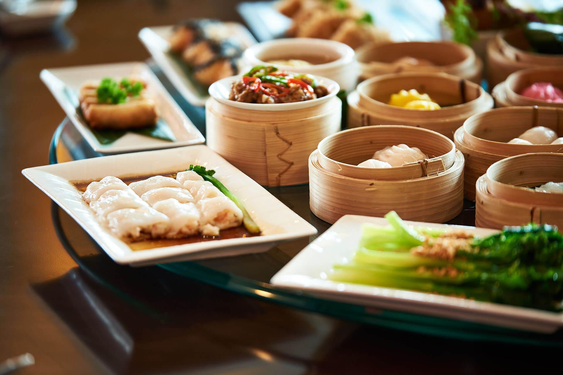 Tiec Buffet Trung Hoa Mung Ngay Quoc Te Phu Nu Tai Grand Mercure Danang 01