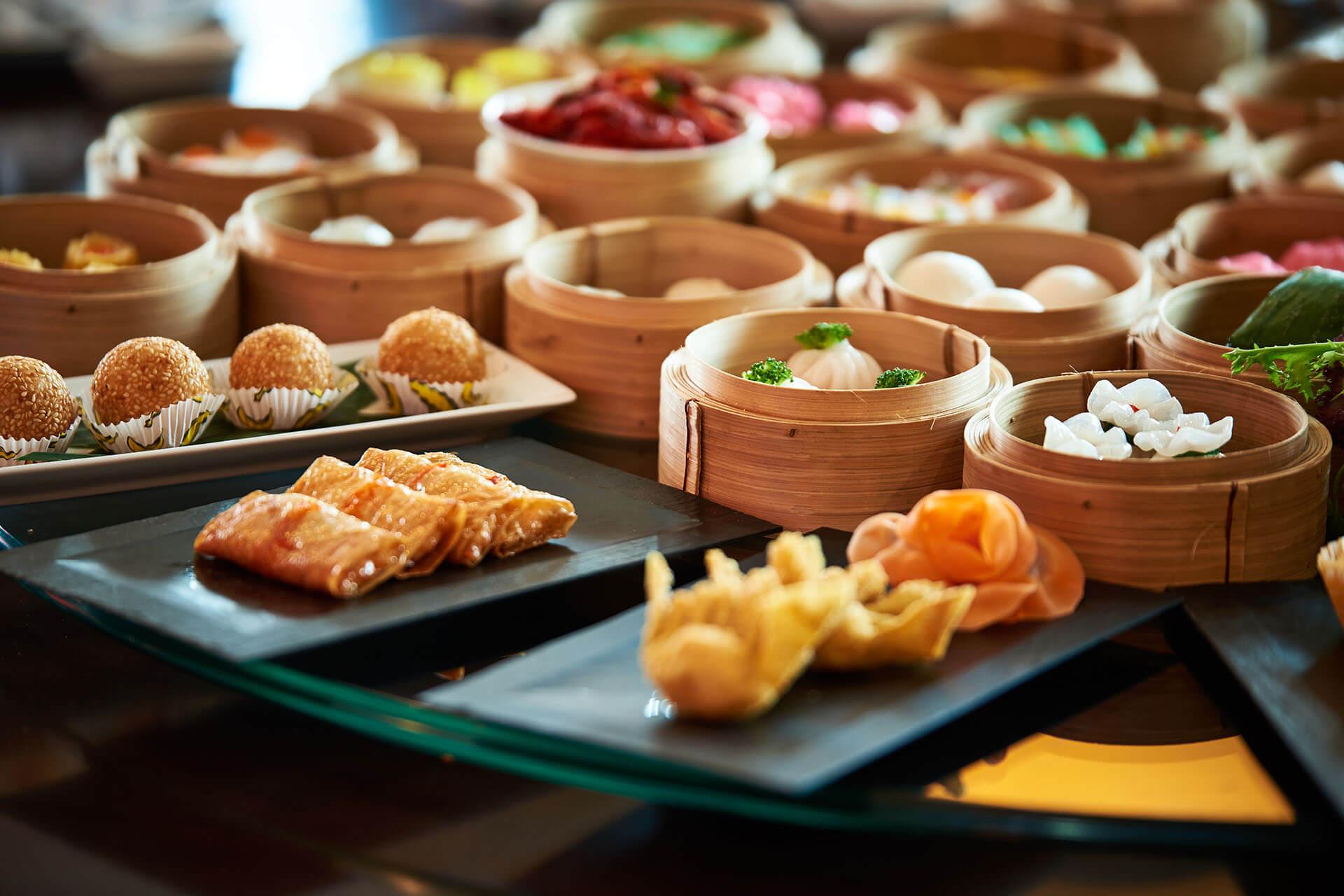 Tiec Buffet Trung Hoa Mung Ngay Quoc Te Phu Nu Tai Grand Mercure Danang 02