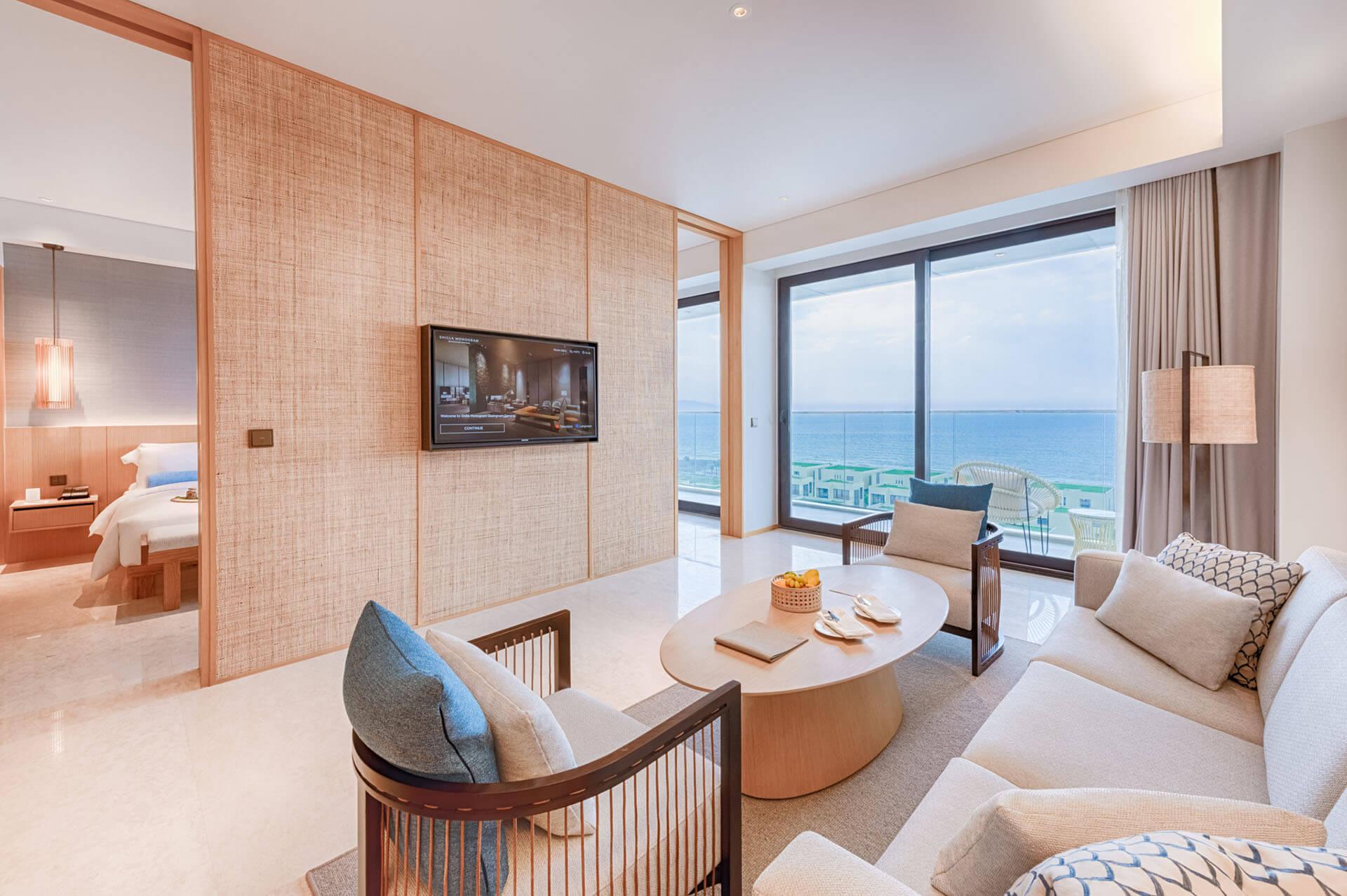 Shillamonogramdn Monogramsuite Livingroom