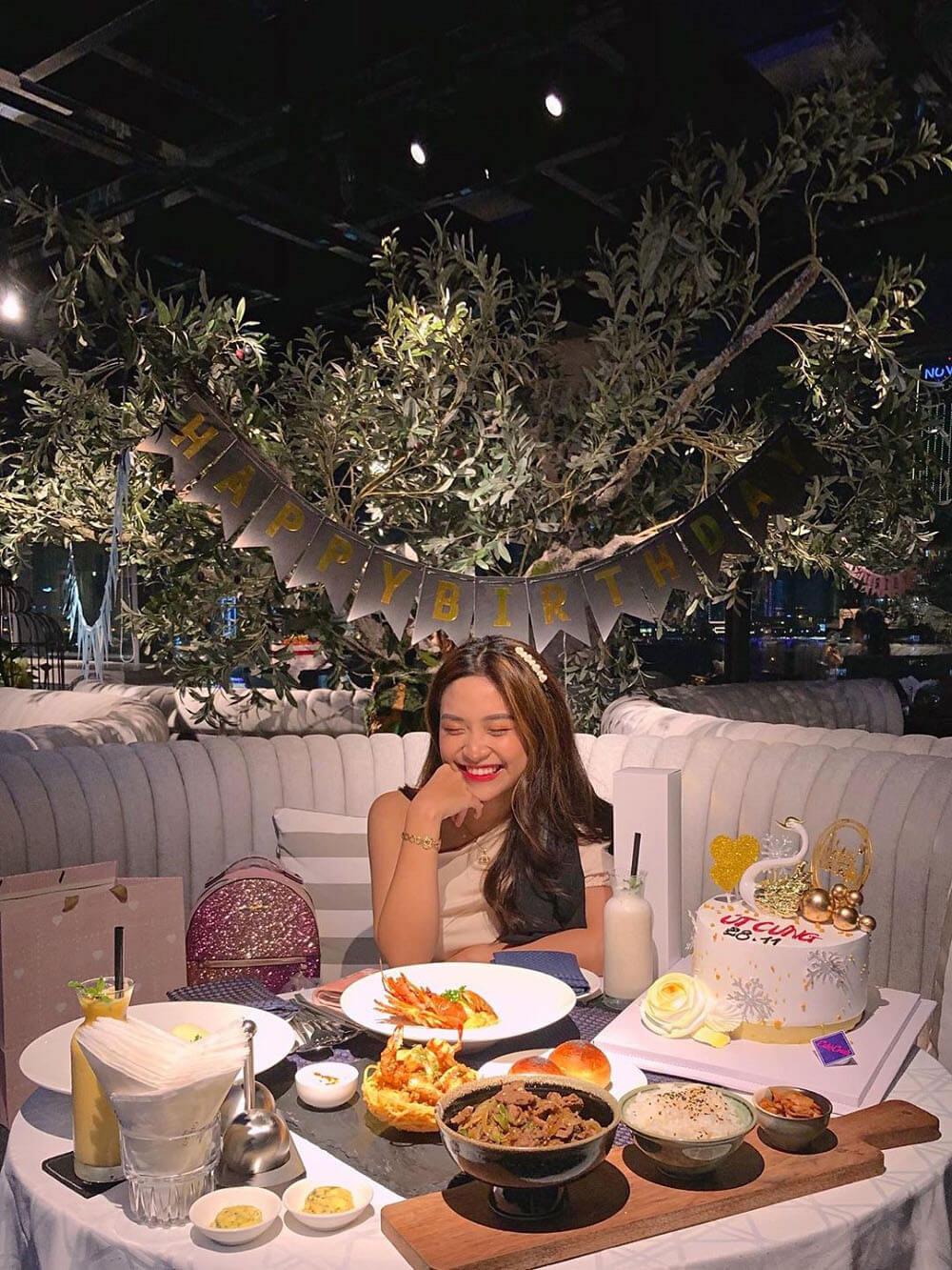 Uu Dai Tri An Khach Hang Nhan Dip New Orient Hotel Da Nang Tro Lai Hoat Dong 02