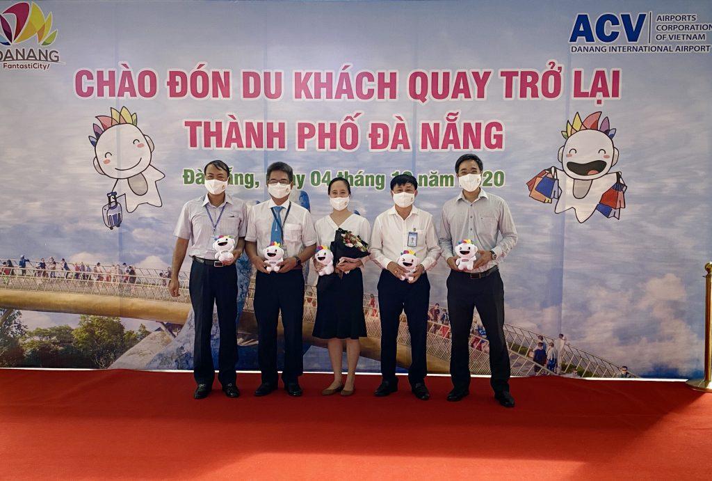 Chao Don Du Khach Da Quay Tro Lai Da Nang Rat Vui Duoc Gap Lai Ban5