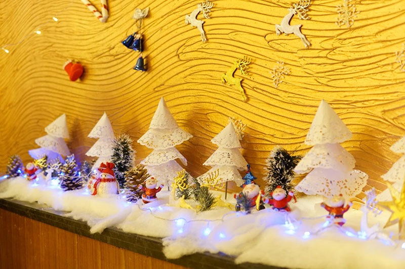 Warming Up Your Christmas Eve Night In Crowne Plaza Danang